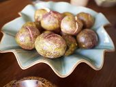 picture of passion fruit  - Delicious passion fruits in plate on table close - JPG