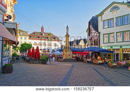 City Hall And Street Market On Marktplatz Linz Am Rhein