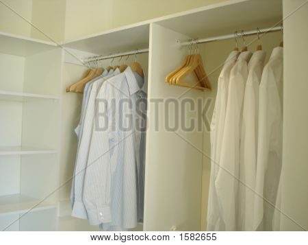 Built In Wardrobe 2