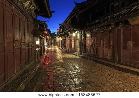 Lijiang Old Town in Yunnan China at sunrise - by night