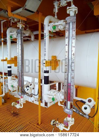 Level transmitter or level gauge for monitor liquid level in the system.