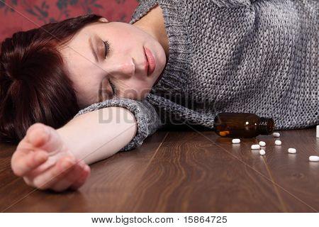 Overdose de vítima de suicídio de adolescente em comprimidos