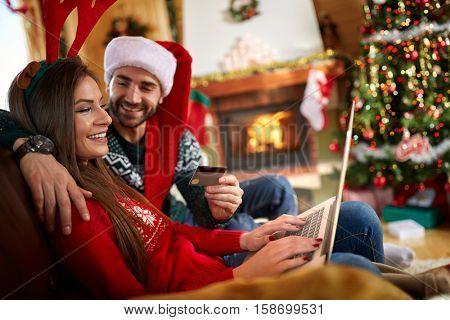 Internet Christmas shopping
