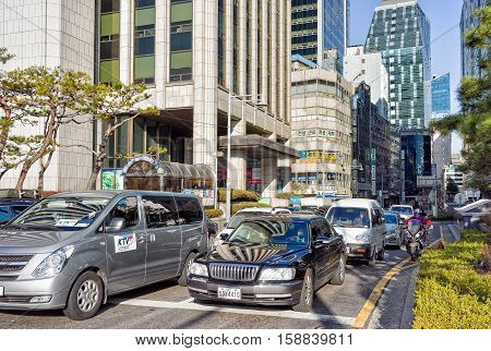 Much Car Traffic In Jung District Of Seoul