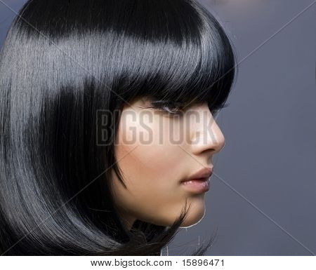 Hairstyle.Beautiful brunetka Girl.Healthy vlasy
