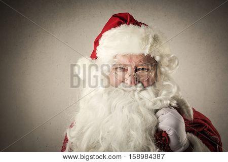 Santa carrying his dorser