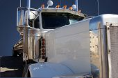 foto of peterbilt  - Close - JPG