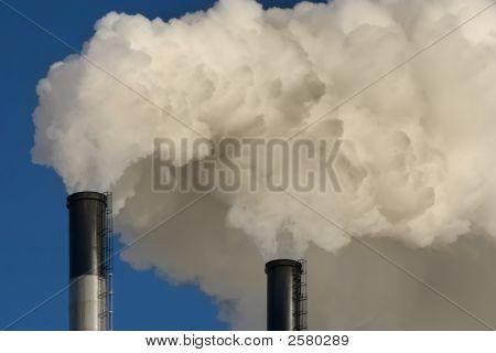 Ausgeben von Umweltverschmutzung Kohlekraftwerk