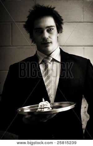 Vendedor minorista o camarero con servicio Bell