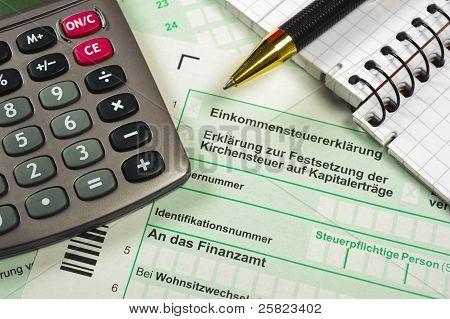 formulario de impuestos financieros