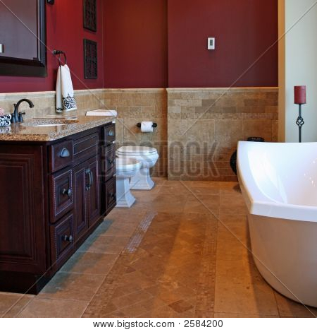 gehobene Badezimmer
