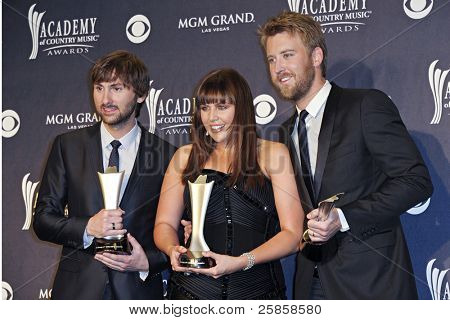 LAS VEGAS - APRIL 3 - Lady Antebellum im Pressezentrum in der 46th Annual Academy of Country Music