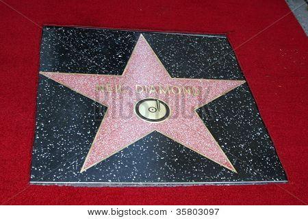 LOS ANGELES - 10 de ago: Neil Diamond WoFame estrela em uma cerimônia concedendo uma estrela no caminhada de Hollywood
