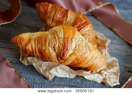 Original French croissants  is a buttery flaky viennoiserie bread roll named for its distinctive crescent shape.