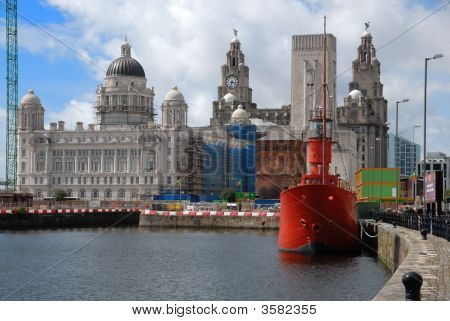 Liver Building At Albert Dock, Liverpool, England