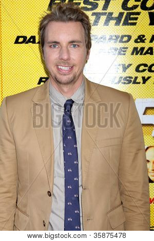 "LOS ANGELES - 14 de ago: Dax Shepard chega a Los Angeles de ""Hit & Run"" estréia no Regal Cinema o"