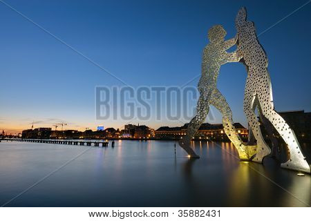 Molecule Men in Berlin