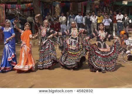 Kalbelia Dance Group
