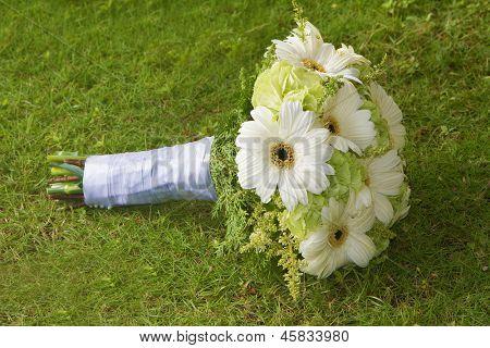 wedding bouquet on natural background