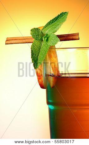 Apple cider hot drink