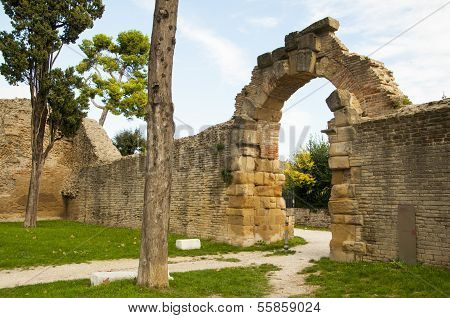 ruins of the Roman Empire