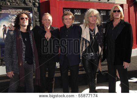 LOS ANGELES - JUN 08:  DEF LEPPARD arrives to the