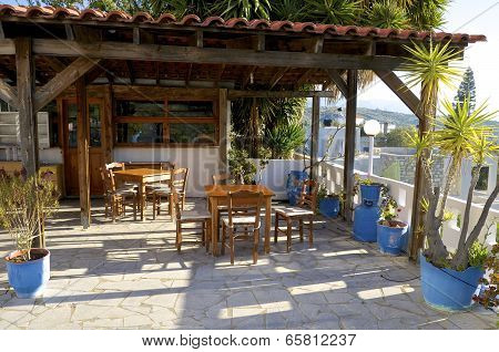 Tavern in Pitsidia on Crete