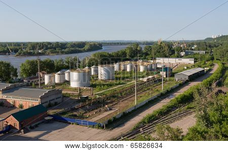 Storage of oil products on the river bank