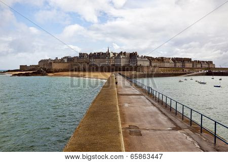 Intra-Muros, the walled old town of Saint-Malo, view from the pier