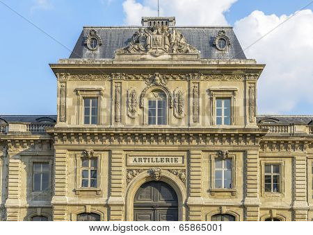 Artillerie Building In Paris