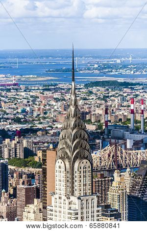 acade of the Chrysler Building in New York