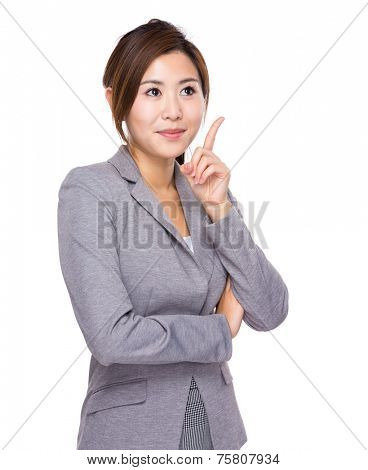 Businesswoman decide the choices