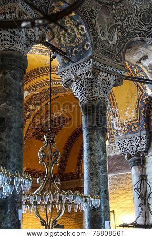 Intricate Corinthian Capitals