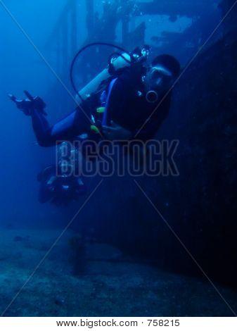 Wreck Divers