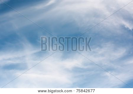 Wispy cloud, sky background