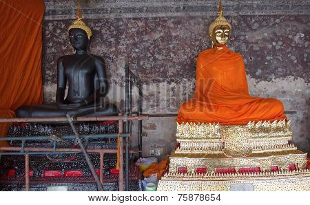 Buddha Golden And Buddha Black In The Wat Sutas