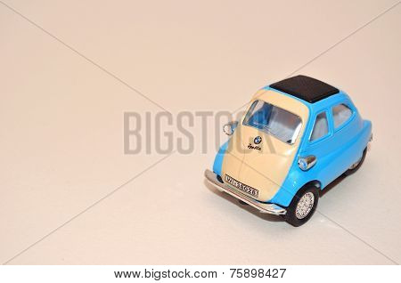 BMW Isetta toy bubble car 4 wheel.