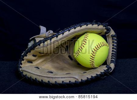 Fastpitch Softball Catchers Mitt