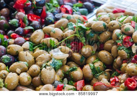 Seasoned Green Olives