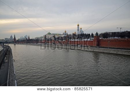 Moscow River and the Kremlin walls at twilight