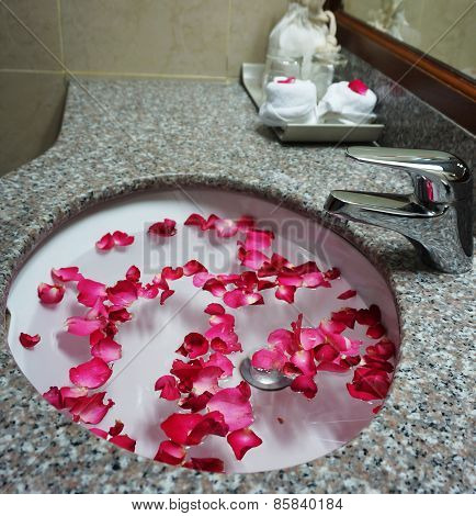 Hotel Bathroom Sink And Faucet For Wedding Couple