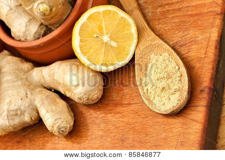 Minced (ground) ginger and ginger root