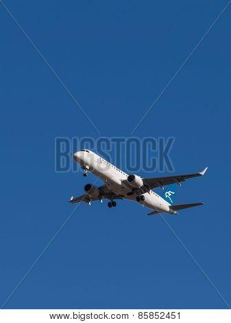 Passenger Plane Embraer Erj-190Lr