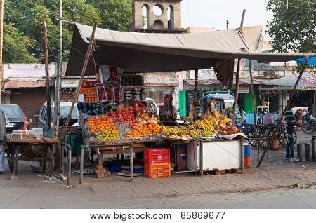 Fruit Shop On The Market In Agra
