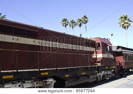 Santa Cruz Red Train