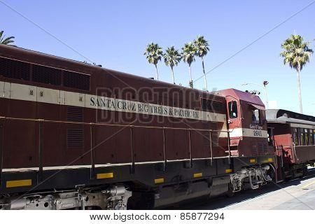 Santa Cruz Red Train
