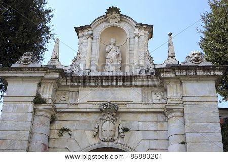 Porta Romana In Sarzana