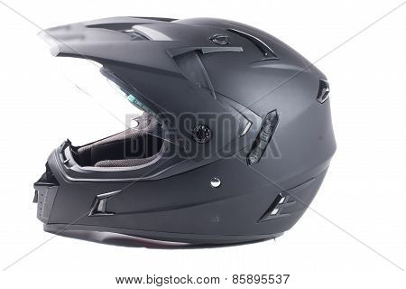 the black motorcycle helmet