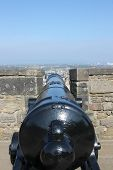 picture of cannon  - Cannon on the ramparts of Edinburgh Castle - JPG