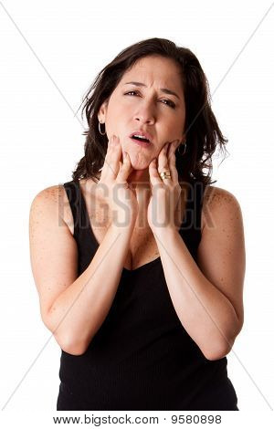 Mujer con dolor de mandíbula Dental
